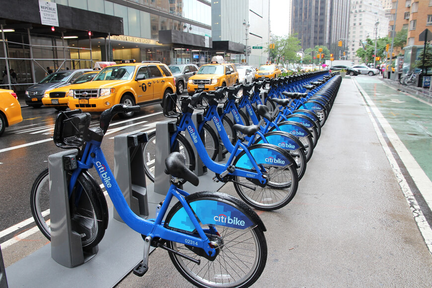 New York bicycle sharing station promotes American cycling culture